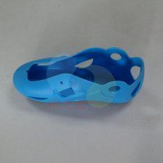 塑胶溜冰鞋