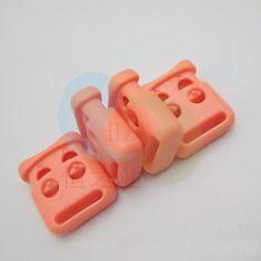 两孔弹簧扣